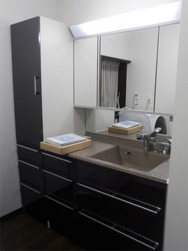 TOTOのティアリスで広々とした洗面所になりました。